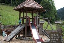 Alte-Traenke-Spielplatz-01